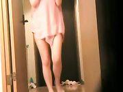 Mujer japonesa está desnudo frente al repartidor